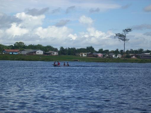Lago Manoel Soares do lado direito do rio