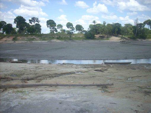 Lago Manoel Soares do lado esquerdo do rio