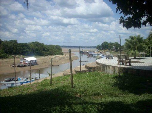 Frente de cidade(beira rio)